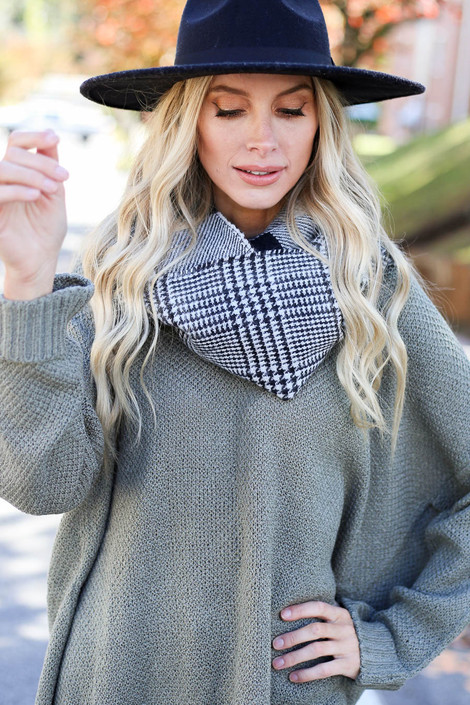 White - Plaid Infinity Scarf