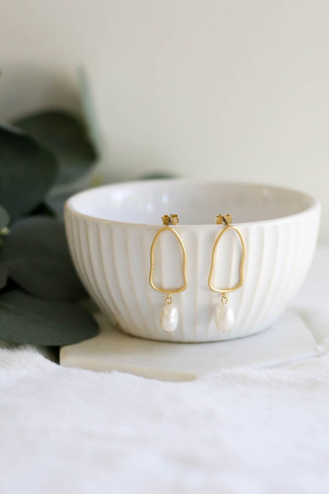 Gold Pearl Drop Earrings from Dress Up