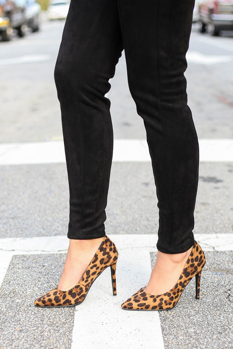 Leopard - Pointed Toe Pumps Side View