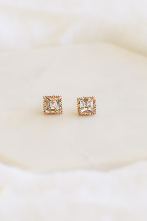 Gold - Stud Earrings Flat Lay