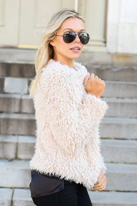 Dress Up Model wearing Ivory Cropped Faux Fur Jacket Side View
