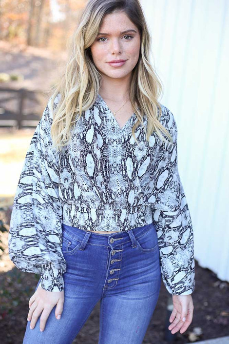 Grey - Snakeskin Cropped Balloon Sleeve Blouse
