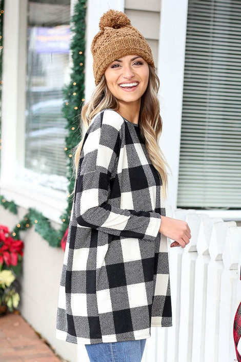 Dress Up model wearing the Black and Ivory Buffalo Plaid Tunic Side View