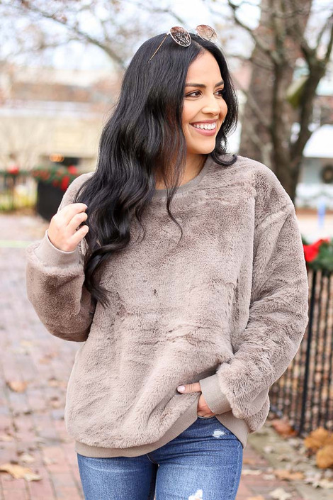 Olive - Faux Fur Pullover