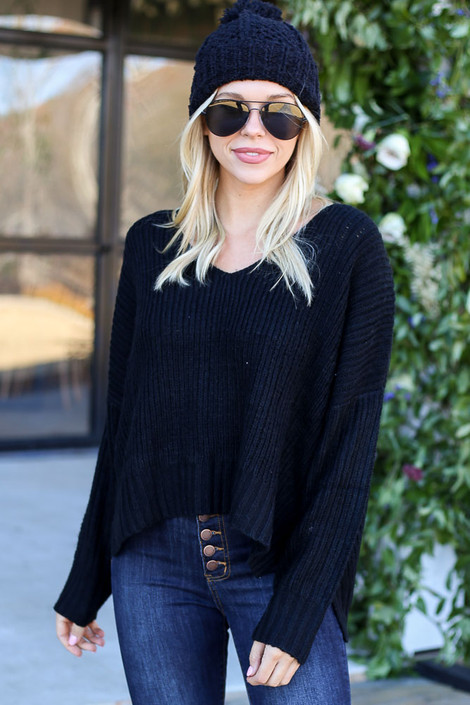 Black - Slouchy V-Neck Sweater