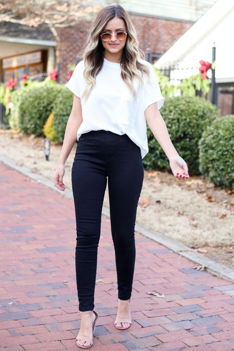 Black - Mid-Rise Jeggings Full View with nude heels. shopdressup.com