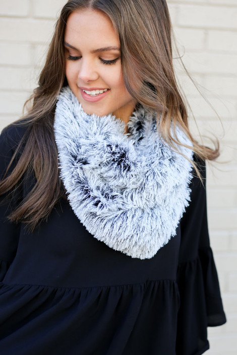 Model wearing the Faux Fur Infinity Scarf in Black from Dress Up Front View