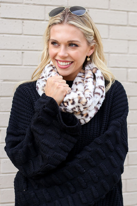 Dress Up model wearing the Ivory Leopard Faux Fur Infinity Scarf