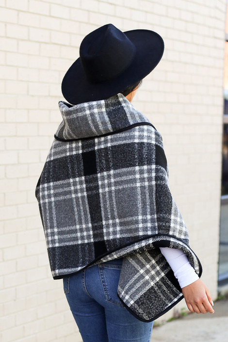 Dress Up model wearing the Plaid Oversized Collar Poncho with black fedora hat Back View