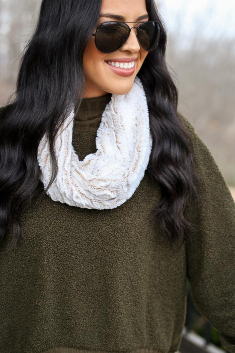 Model wearing the Faux Fur Infinity Scarf in Ivory