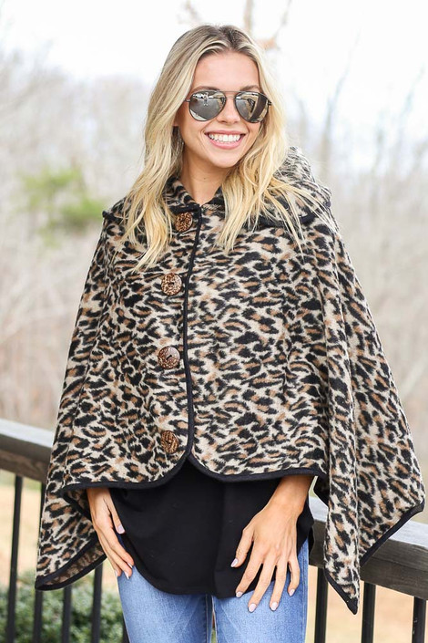Ivory - Leopard Oversized Collar Poncho