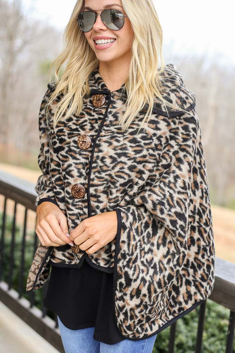 Model wearing the Leopard Oversized Collar Poncho