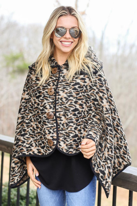 Dress Up model wearing the Leopard Oversized Collar Poncho