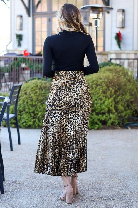 Model wearing the Leopard Pleated Maxi Skirt Back View
