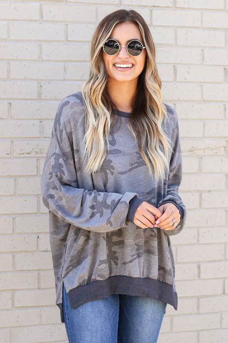 Model wearing the Oversized Lightweight Knit Pullover