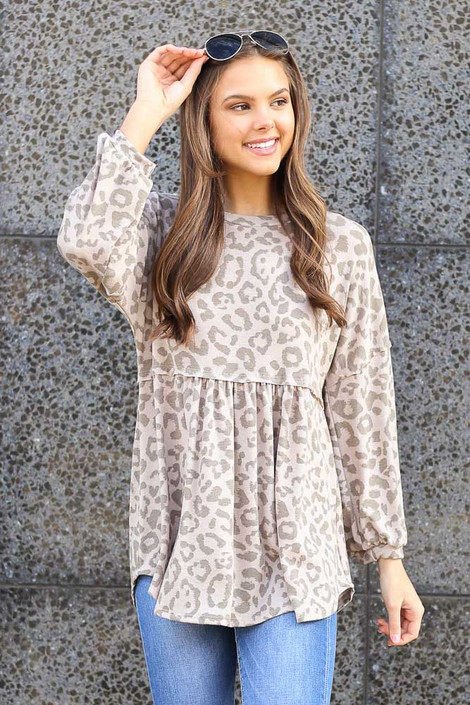 Dress Up model wearing the Leopard Balloon Sleeve Babydoll Tunic in Taupe