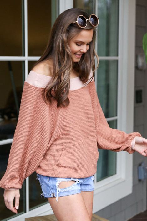 Oversized Waffle Knit Contrast Pullover Side View