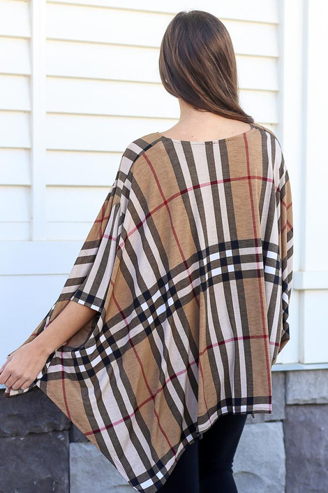 Model wearing the Taupe Plaid Oversized Top with black skinny jeans Back View