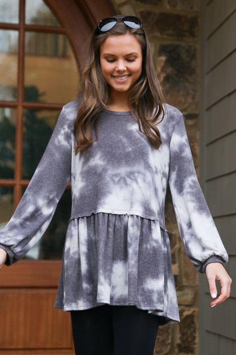 Model wearing the Tie-Dye Brushed Knit Oversized Babydoll Tunic in Charcoal