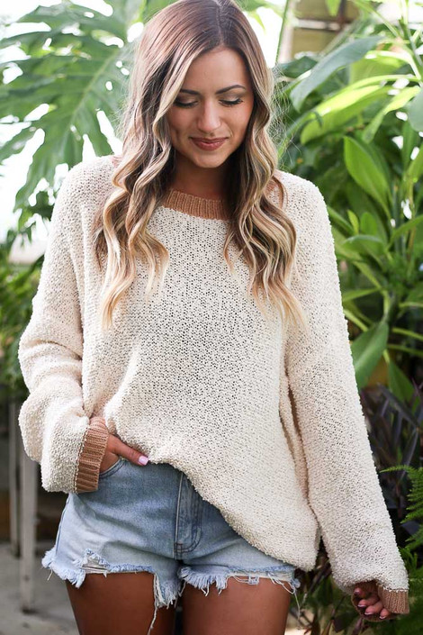 Model wearing the Ivory Fuzzy Popcorn Knit Contrast Top with denim shorts Front View