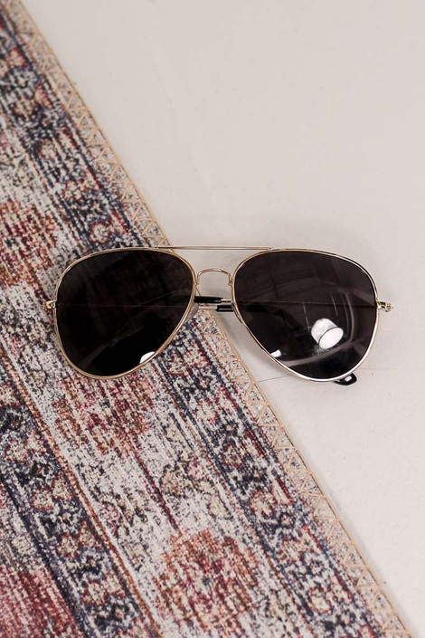Gold - Flat Lay of the Polarized Aviator Sunglasses