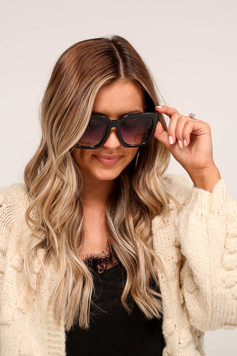 Black/Gradient - Oversized Square Sunglasses