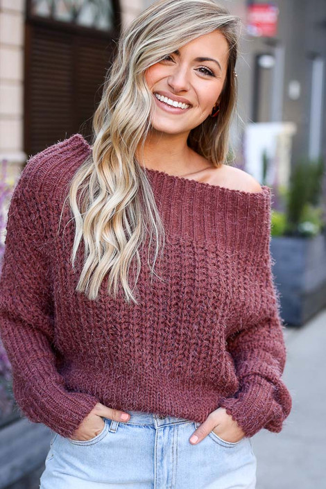 Marsala - Close Up of the Cropped Eyelash Knit Top