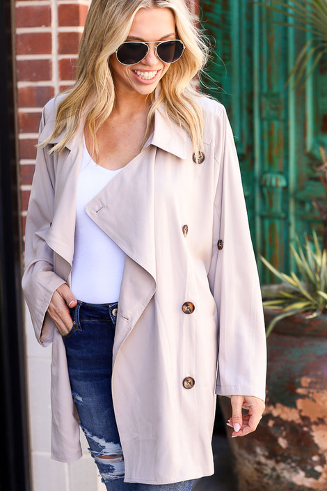Close Up of the Lightweight Trench Coat