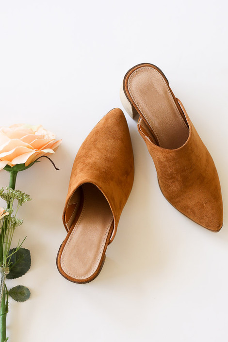Camel - Flat Lay of the Block Heeled Mules