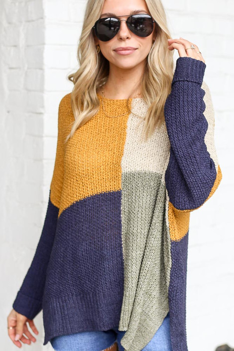 Navy - Color Block Lightweight Knit Top from shopdressup
