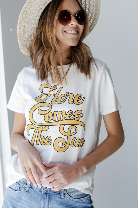 White - Here Comes the Sun Vintage Graphic Tee