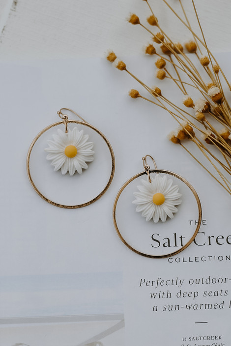 Gold - Daisy Earrings from Dress Up