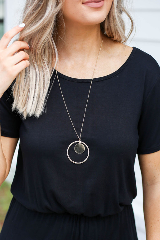 Gold - Circle Pendant Necklace On Model