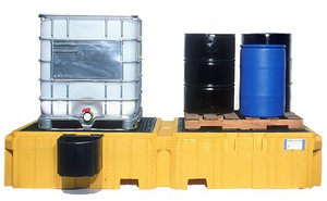 Twin IBC Spill Pallet, 1 right side bucket shelf, Drain