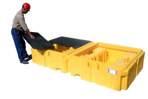 UltraTech Twin IBC Spill Pallet, Polyethylene for 2 IBC Totes