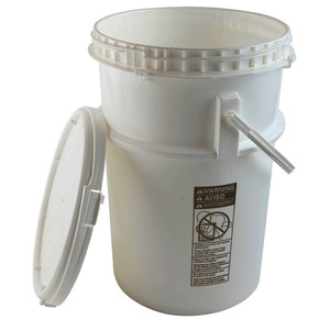 Locking Safety Pail with Screw-on Lid, EPA Compliant, 6 gallon, case/4