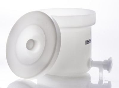 Polly-crock Polyethylene Tank with Lid and Faucet