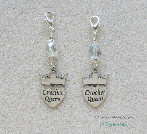 Clip-On Crochet Queen Charms 2pc