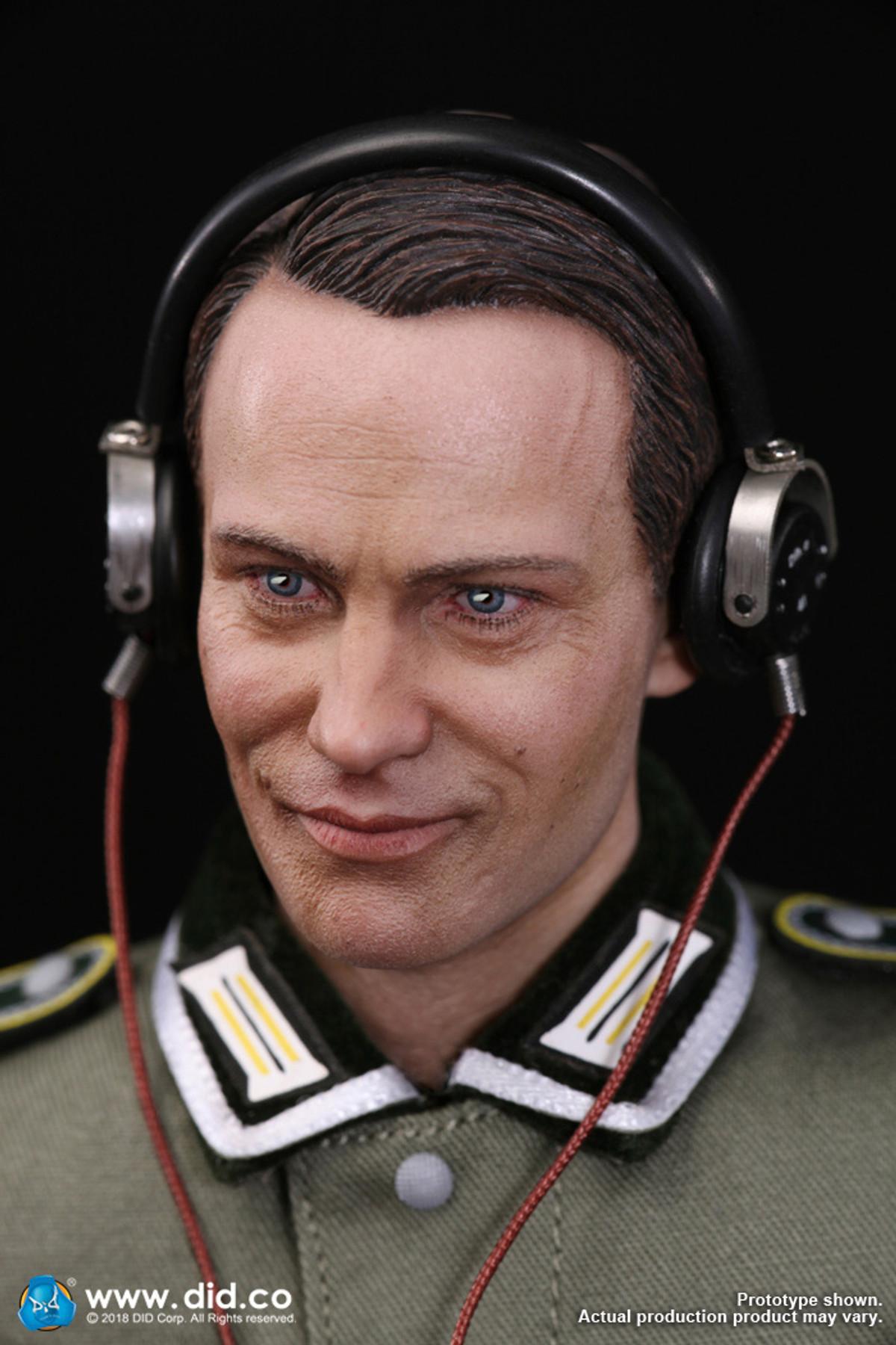 DID D80133 1//6 WWII German Communication 3 WH Radio Operator Gerd Figure Head