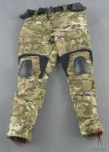 Hot Toys - Cargo Pants - Multicam - Knee Guards - /w Brass Knuckle Holster Duty Belt