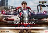Hot Toys - Iron Man 2: Tony Stark (Mark V Suit Up Version) [Deluxe]