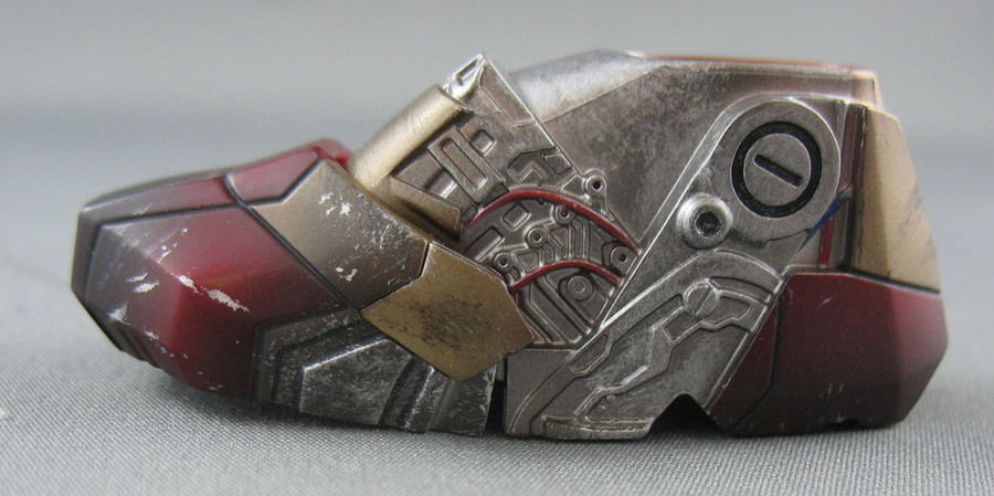 Hot Toys - Ironman Armor - Left Foot - Damaged