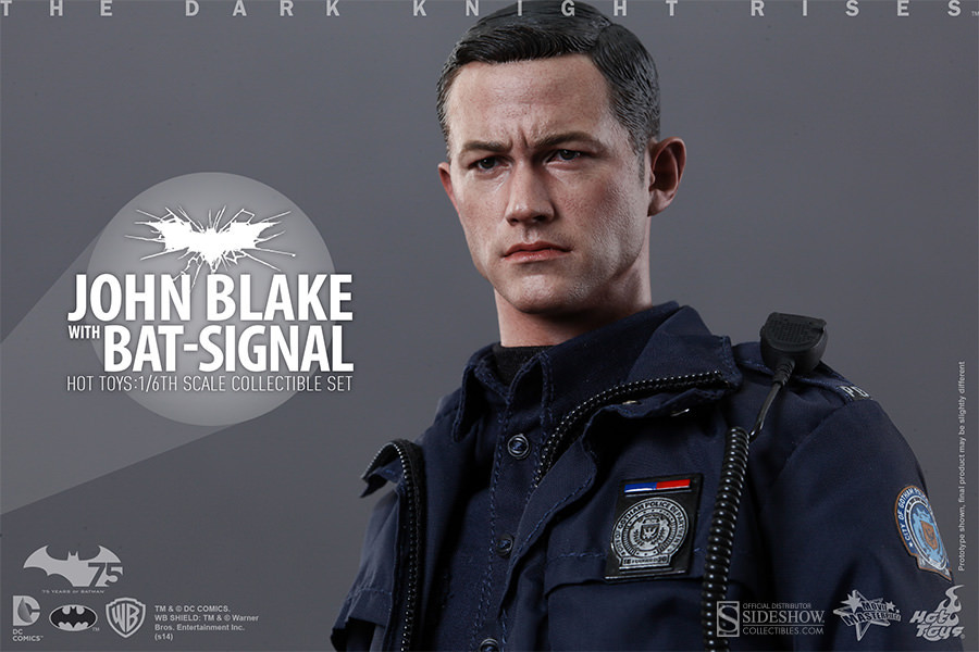 Hot Toys - John Blake with Bat-Signal