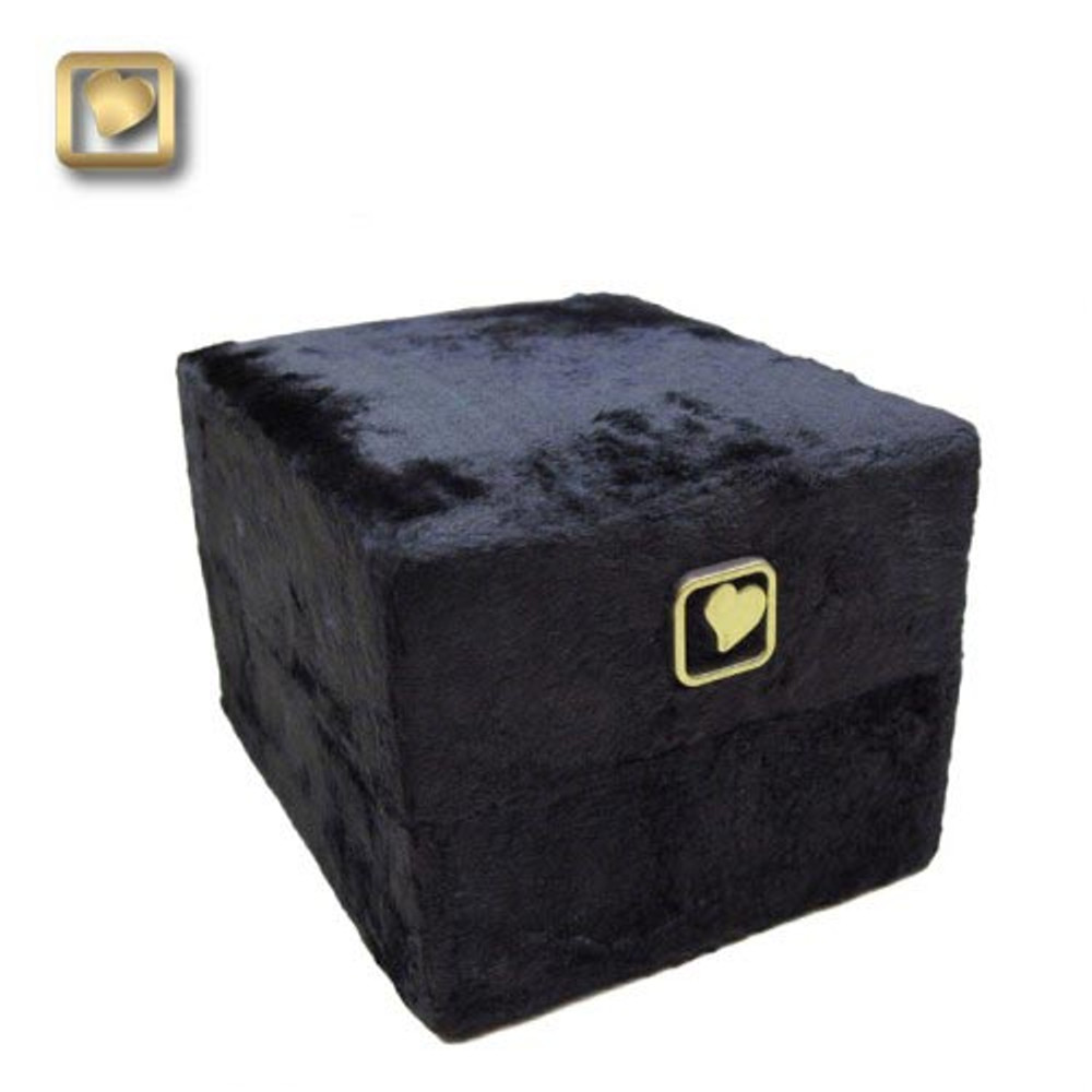 Velvet box included with Small Keepsake and Heart urns