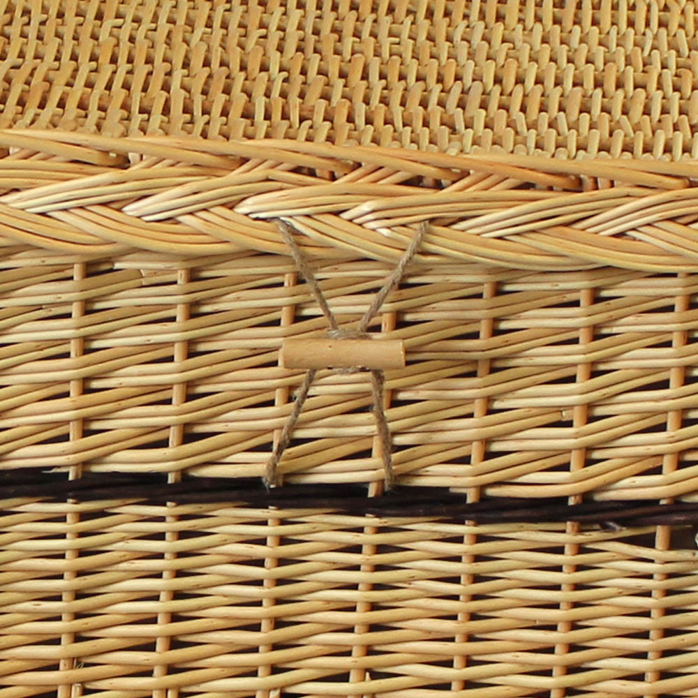 6-Point Willow Coffin: Toggle/Clasp Detail