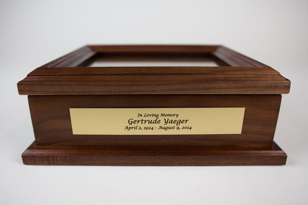 Includes custom engraved memorial name plate