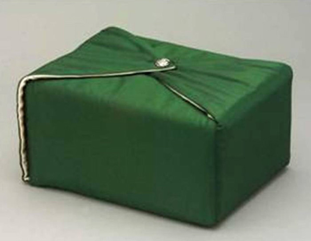 Silk Fabric Cremation Urn in Hunter Green | Silk Urns