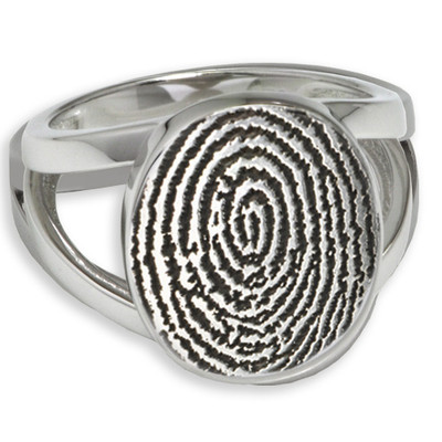 Elegant Oval Fingerprint Ring: No chamber