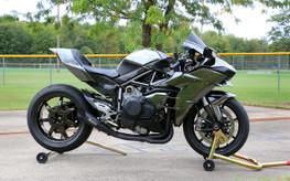 "Buy Slash Cut 2 Full System 13"" Muffler Black Cerakote® Ninja H2 (15-20) 398711 at the best price of US$ 2099 | BrocksPerformance.com"