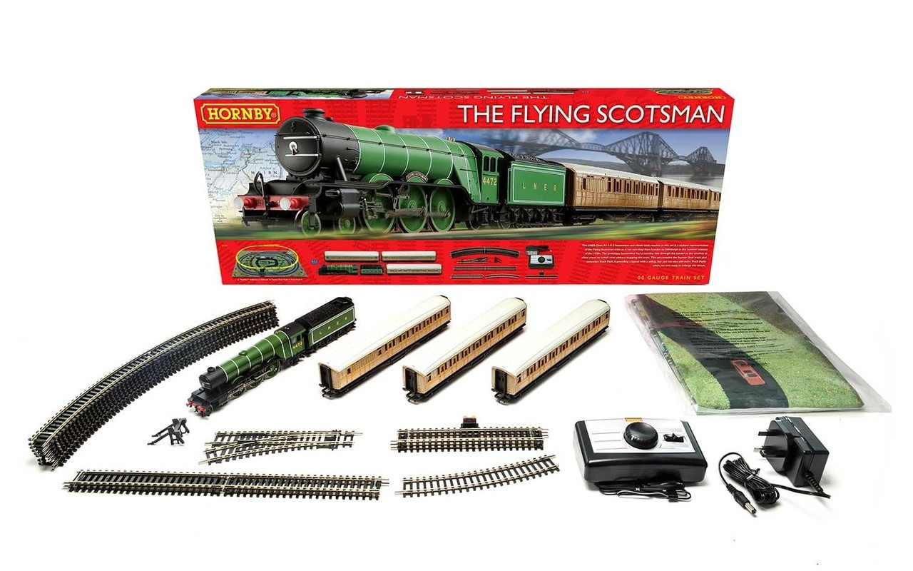 Hornby Flying Scotsman Set (Three Coaches) Train Set 00 Scale (R1167)